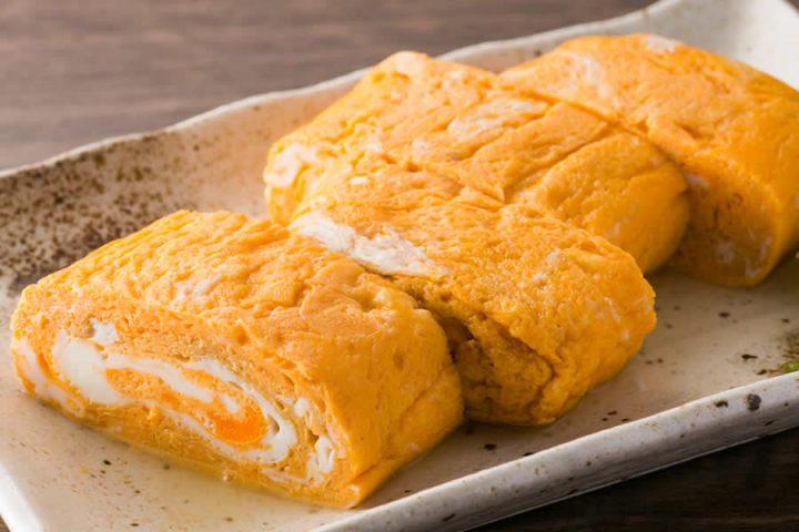 こだわり卵を4個贅沢に使用 ぷるぷるジューシーな 「だし巻き卵」